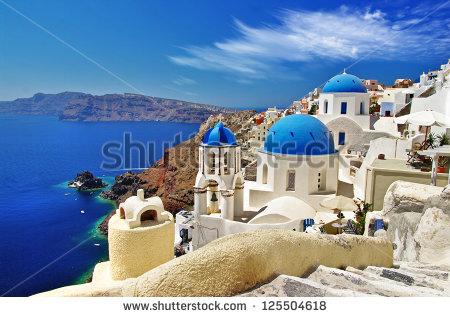 stock-photo-white-blue-santorini-view-of-caldera-with-domes-125504618 grece
