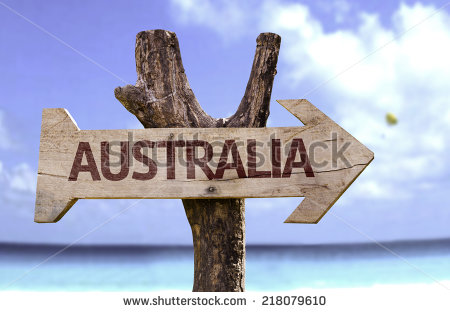 stock-photo-australia-wooden-sign-with-a-beach-on-background-218079610 australie