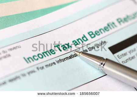 stock-photo-income-tax-form-and-pen-185656007 fiscalité