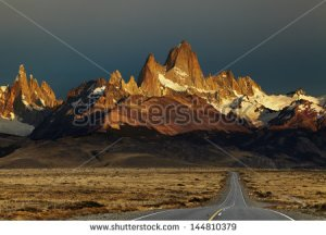 stock-photo-mount-fitz-roy-at-sunrise-los-glaciares-national-park-patagonia-argentina-144810379