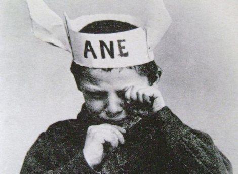 bonnet-ane-capirote.jpg